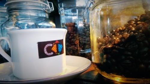 Tampilan sederhana kopi tubruk di Coffee Times di lantai dua Pasar Terpadu Dinoyo, Kota Malang. (Foto: Nurlayla Ratri/MalangTIMES)