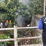 Peduli Lingkungan, KKN Unikama Bersama Warga Sidorenggo Kompak Bersihkan Sungai Jagalan