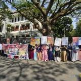 Kritisi Persoalan Larangan Mengenakan Cadar, Ratusan Aktivis Muslim Gelar Aksi Damai