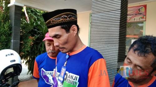 Ketua Pawahikorta, Agung Purwanto (berpeci) (foto : Joko Pramono/Jatim Times)