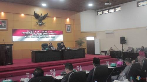 Rapat paripurna DPRD Kota Blitar tetapkan fraksi dan usulkan pimpinan definitif.(Foto : Aunur Rofiq/BlitarTIMES)
