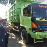 Dalam Sehari, Belasan Truk dan Kendaraan Muatan di Kabupaten Malang Melanggar Ketentuan ODOL