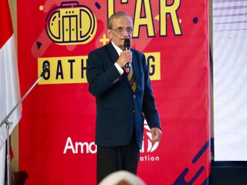 Direktur Doppelmayr, Hans Jost saat mempresentasikan cable car saat sosialisasi Cable car di Balai Kota Among Tani.