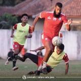 Arema FC Berharap dan Membantu Comvalius Tajam Kembali