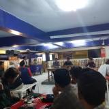 Suasana Diskusi BEM Malang Raya terkait Revisi UU KPK di Coffee Times (CT) area Terminal Kopi Malang, Pasar Terpadu Dinoyo (Arifina Cahyanti Firdausi/MalangTIMES)