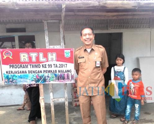 Wahyu Hidayat Kepala DPKPCK Kabupaten Malang setelah meresmikan peningkatan RTLH yang merupakan bagian dari bidang dan tugasnya (dok MalangTIMES)