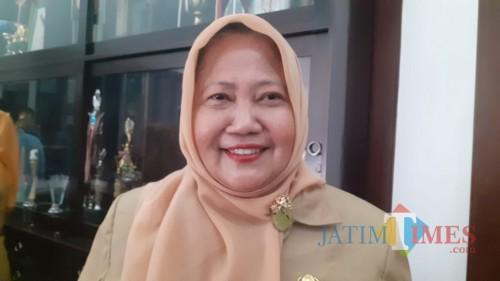Kepala Dispendukcapil Kota Malang Eny Hari Sutiarny (Pipit Anggraeni/MalangTIMES).