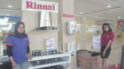 Potongan harga spesial produk Rinnai selama gelaran Kitchen Ware & Cooking Demo.(Foto : Aunur Rofiq/BlitarTIMES)