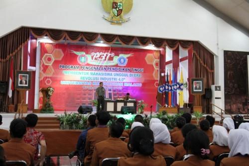 Suasana saat pembekalan oleh Dandim 0833 Kota Malang mengenai  kesadaran akan bela negara. (Unikama for MalangTIMES)