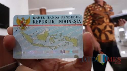 Blanko e-KTP di Kota Malang masih kosong dan sementara ini masyarakat yang hendak melakukan perekaman mendapat surat keterangan (suket). (Pipit Anggraeni/MalangTIMES).