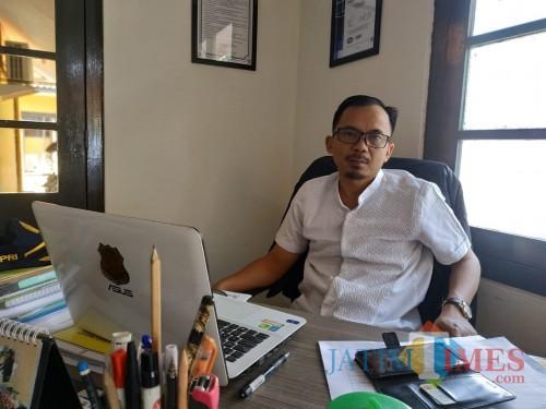 Kepala bidang (Kabid) Bina Kemitraan dan Pengendalian Lingkungan DLH Kota Malang, Rahmat Hidayat (Hendra Saputra)