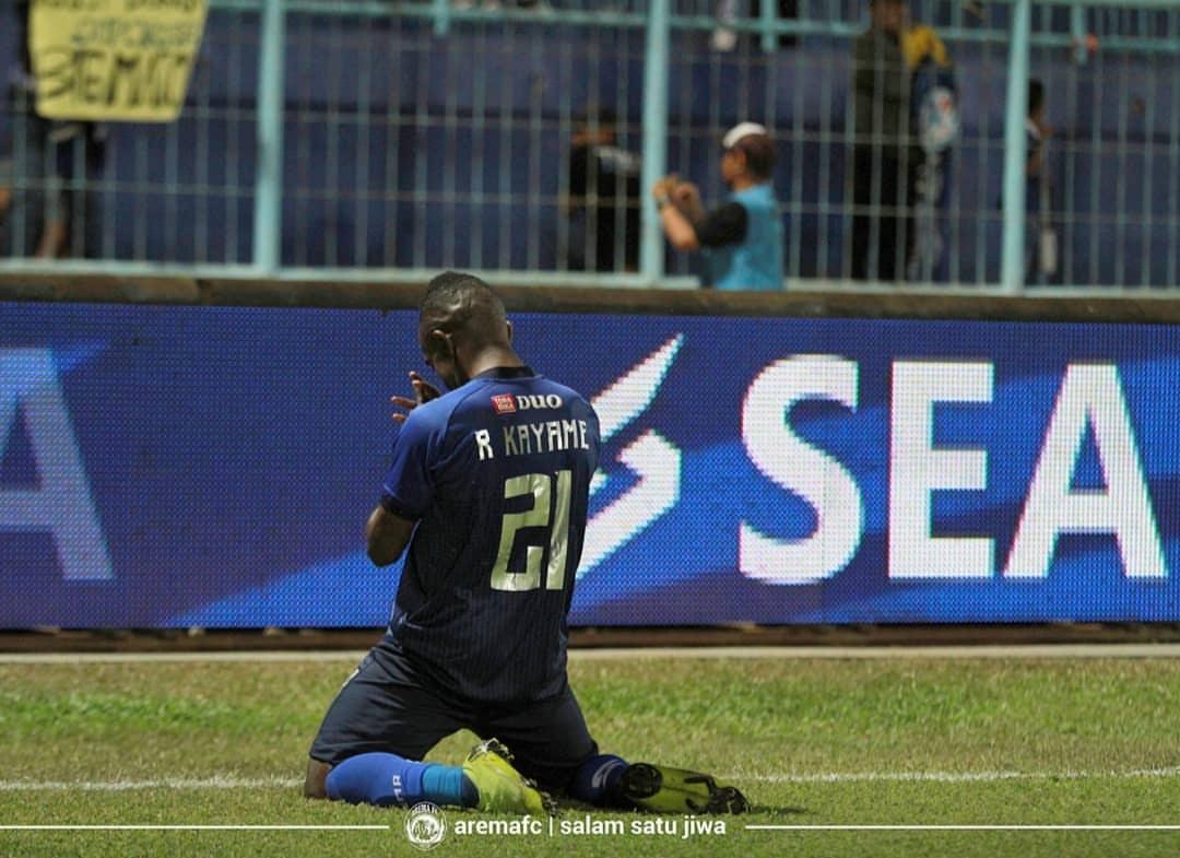 Pencetak dua gol Arema FC melawan Borneo FC, Riki Kayame.(official Arema FC)