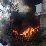 Diduga Lupa Matikan Kompor, Toko Sepeda Bekas dan Rumah Ludes Terbakar