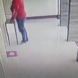 Terekam CCTV, Pria Berbaju Merah Bobol Kotak Amal Masjid di Malang, Wajah Pelaku Sempat Terekam Jelas