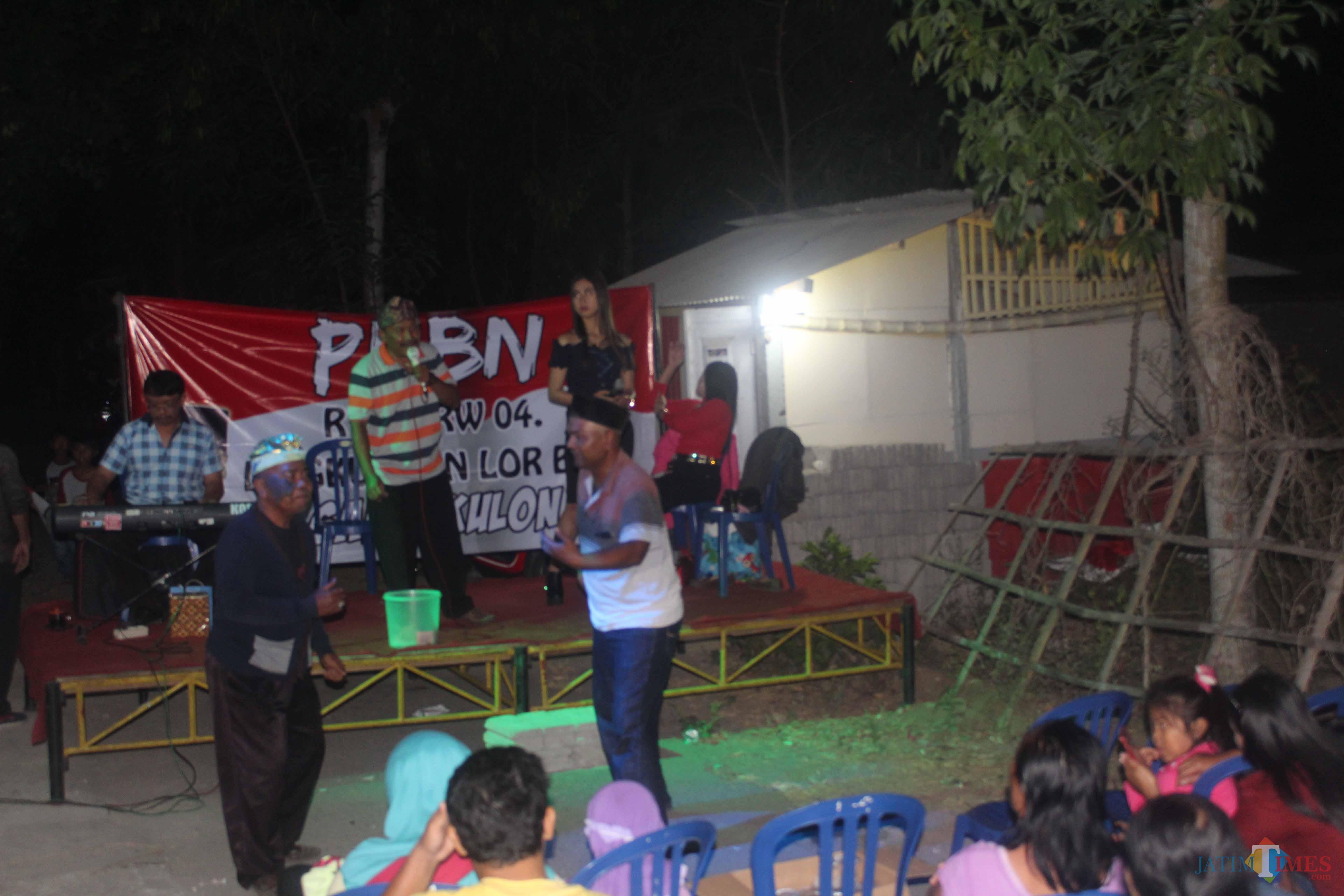Resepsi HUT RI di Dusun Genengan, Desa Sanankulon.(Foto : Aunur Rofiq/BlitarTIMES)