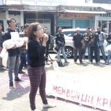 Aktivis Kampus dan Jurnalis Jember Kompak Tolak Revisi UU KPK