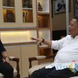 Fuad Bernardi ketika menghadap di ruang kerja Wakil Wali Kota Surabaya Whisnu Sakti