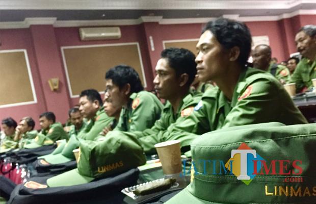 Para peserta saat mengikuti pelatihan di ruang Bina Bakti Praja Rumah Dinas Wali Kota Batu, beberapa saat lalu.. (Foto: Irsya Richa/ MalangTIMES)