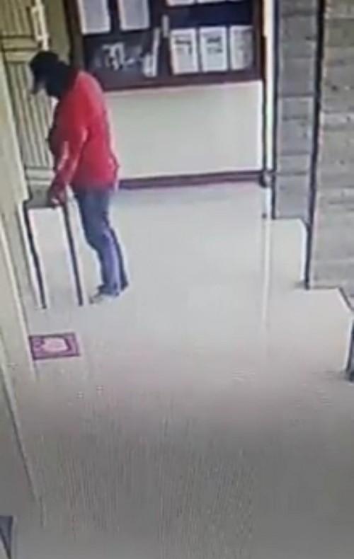Pelaku pencurian kotak amal di masjid kawasan Blimbing (ist)
