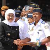 Khofifah usai menjadi inspektur upacara dalam peringatan Hari Perhubungan Nasional Tahun 2019.
