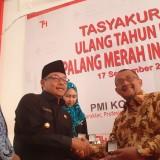 Pemkot Malang Hibahkan Satu Unit Ambulans Untuk PMI Kota Malang
