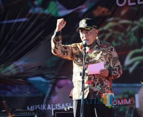 Bupati Malang Sanusi mengatakan akan menunda pembangunan alun-alun di tahun 2019 maupun tahun depannya (Humas Pemkab Malang)