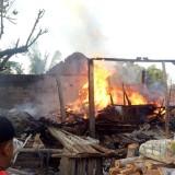 Di Cemenung, Kandang dan Gudang Kayu Terbakar karena Abu Limbah Gamping