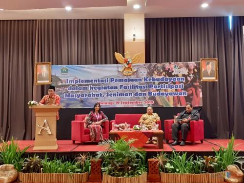 Suasana sosialisasi Implementasi Pemajuan Kebudayaan dalam Kegiatan Fasilitasi Partisipasi Masyarakat, Seniman dan Budayawan oleh Disbudpar Kota Malang (Arifina Cahyanti Firdausi/MalangTIMES)