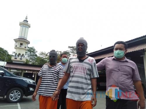 Tersangka Imam saat sesi rilis di ruang Satreskoba Polres Malang (Foto : Ashaq Lupito / MalangTIMES)