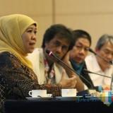 Gubernur Jawa Timur Khofifah Indar Parawansa yang menjadi narasumber