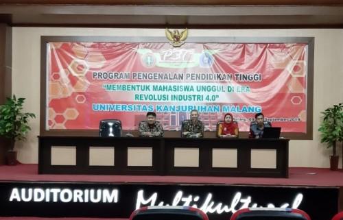 Suasana para pejabat struktural Unikama saat dalam kegiatan sambut mahasiswa baru FEB (Unikama for MalangTIMES)