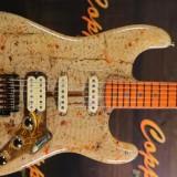 Tak Hanya Nikmat Dimakan, di Tangan Seniman Ini Mie Instan Bisa Dibuat Jadi Gitar Lho..