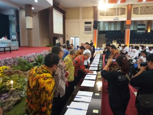 Para Dekan UB yang menandatangani MoU dengan BNN RI (Anggara Sudiongko/MalangTIMES)
