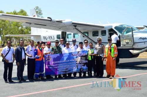 Pemkab Resmikan Pesawat Perintis Rute Sumenep - Pulau Pagerungan