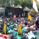 Hari Tani Nasional, Ratusan Mahasiswa Kediri Gelar Aksi Unjuk Rasa