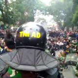 Viral Aksi TNI Redam Emosi Mahasiswa Berdemo