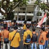 Mahasiswa Kembali Geruduk Gedung DPRD Kota Malang
