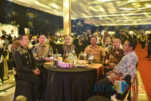 Dari kiri AKBP. Kusworo Wibowo, AKBP. Alfian Nurrizal, dr. Hj. Faida, Letkol. Inf. La Ode M Nurdin, Drs. M. Hasan dan Kasbrig 9 Letkol. Inf. Arif Munawar (foto : Moh. Ali Makrus / Jatim TIMES)
