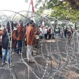 Pagar Berduri Melintang Saat Aksi Demo Hari Ini, Kapolres: Itu Standart Operasional Kita
