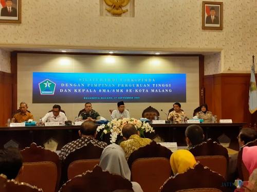 Suasana pertemuan antara Forkopimda dengan Rektor dan Kepala Sekolah se-Kota Malang (Arifina Cahyanti Firdausi/MalangTIMES)