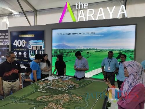 Stan milik the Araya dalam BCA Expo di Taman Indie, Kota Malang. (Foto: Nurlayla Ratri/MalangTIMES)