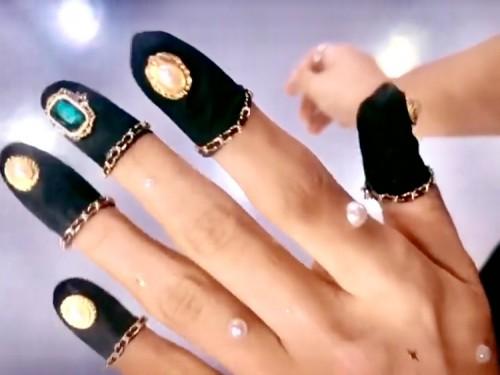 Nail beanies yang digunakanPark Eunkyung dalam unggahannya. (Foto: @nail_unistella)
