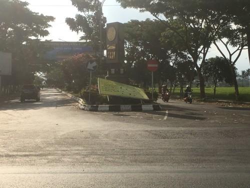 Viral, Usai Kirab Budaya Malang Beach Festival 3, Jalan di Jalibar Kepanjen Dipenuhi Sampah Berserakan
