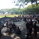 Suara-Suara Penolakan dari Mahasiswa Terus Bergelora dari Depan Gedung DPRD Kota Malang