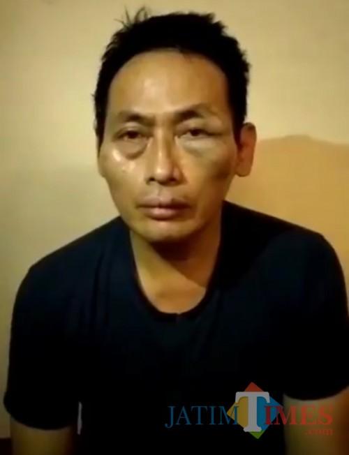 Ninoy yang mengaku buzzer Jokowi diculik sekelompok orang serta dianiaya dan disekap seharian oleh suatu kelompok (tangkapan layar video)
