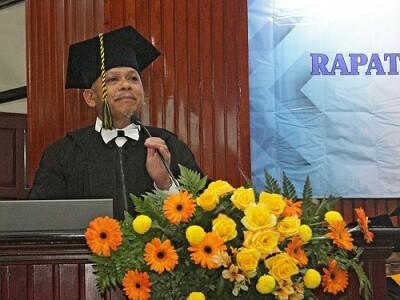 Profesor Geofisika pertama di UB, Prof Drs Adi Susilo MSi PhD. (Foto: Humas)