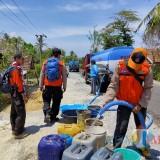 Kemarau Panjang, Pemkab Blitar Droping Air Bersih 11 Desa di Blitar Selatan