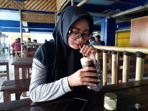 Sensasi Berbeda Menikmati Sajian Kopi Vietnam Drip Ice di Coffee Times Yuk!