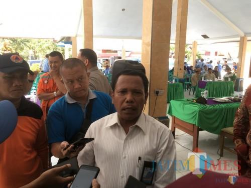 Direktur Utama Perumda Tirta Kanjuruhan Kabupaten Malang, Syamsul Hadi saat menjelaskan pembangunan IPA di Coban Siuk (Foto : Dokumen MalangTIMES)