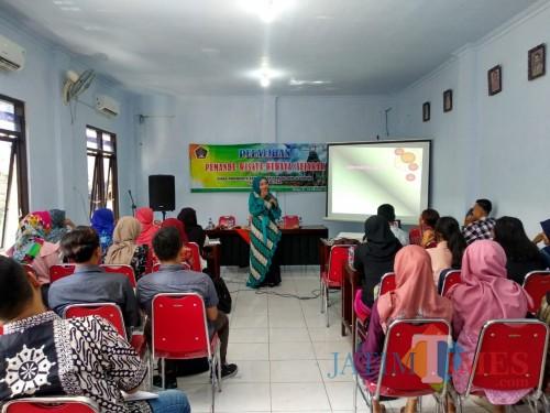 Pelatihan pemandu wisata budaya yang digelar Disparbudpora Pemkab Blitar.(Foto : Malik Naharul/BlitarTIMES)